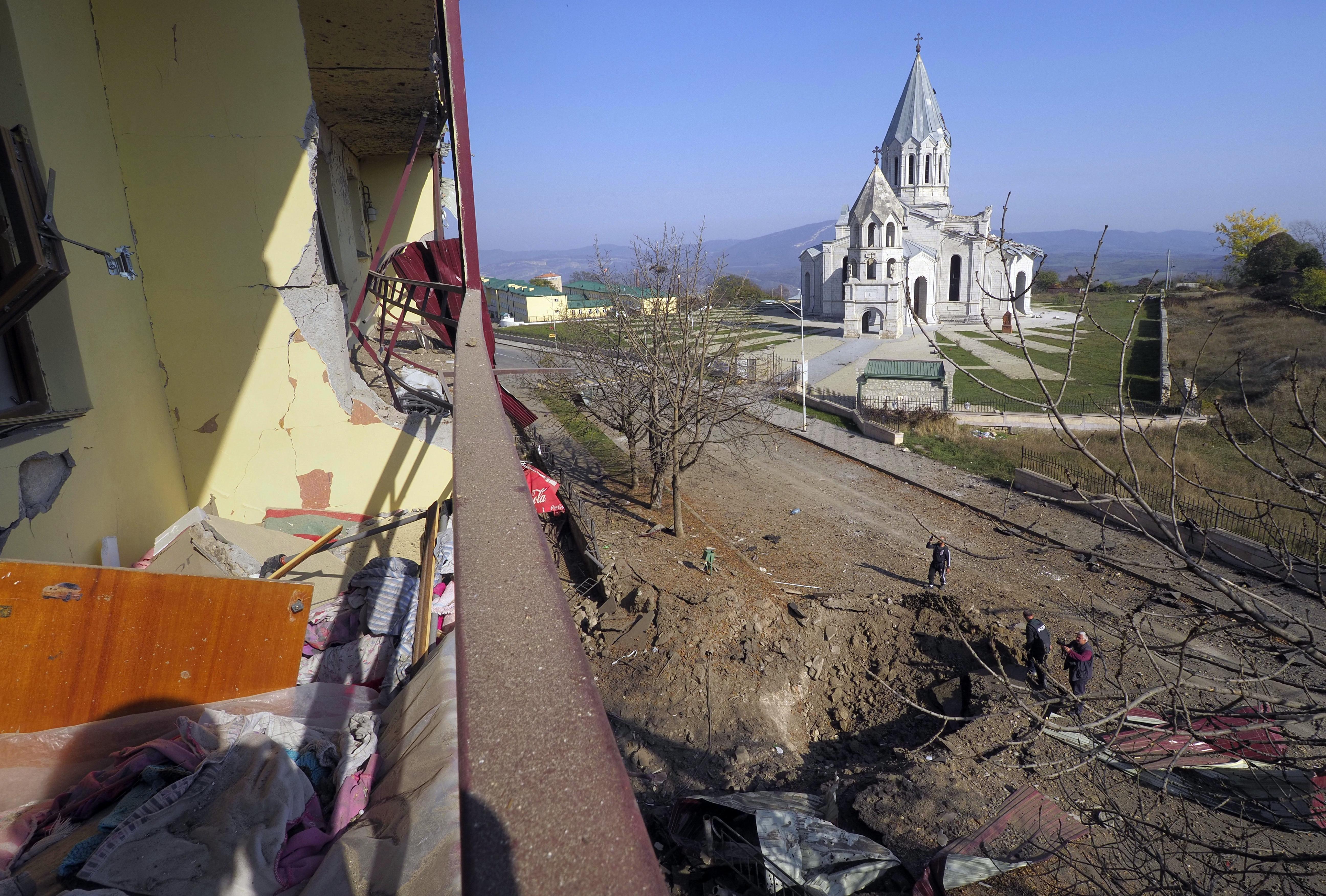 Azerbaijani forces close in on key town in Nagorno-Karabakh