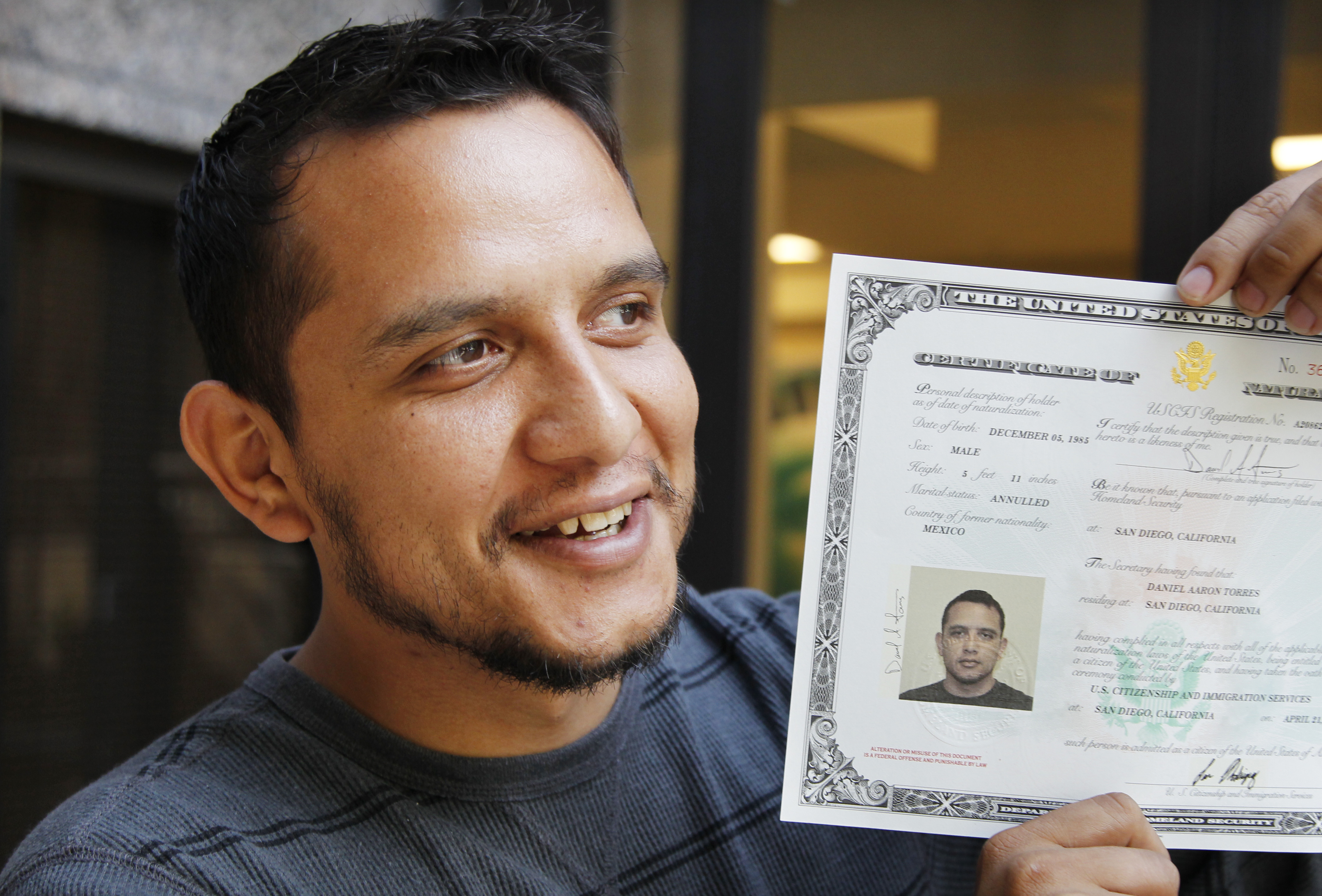 Opinion: I may be the first deported vet ever granted U.S. citizenship