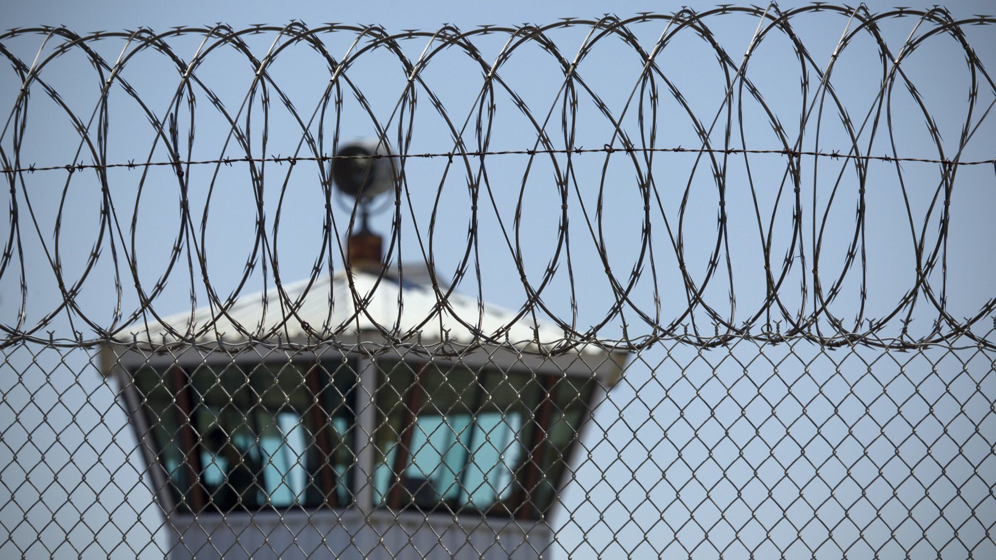 As virus spreads unchecked, 5 more inmates at Donovan state prison succumb to COVID-19